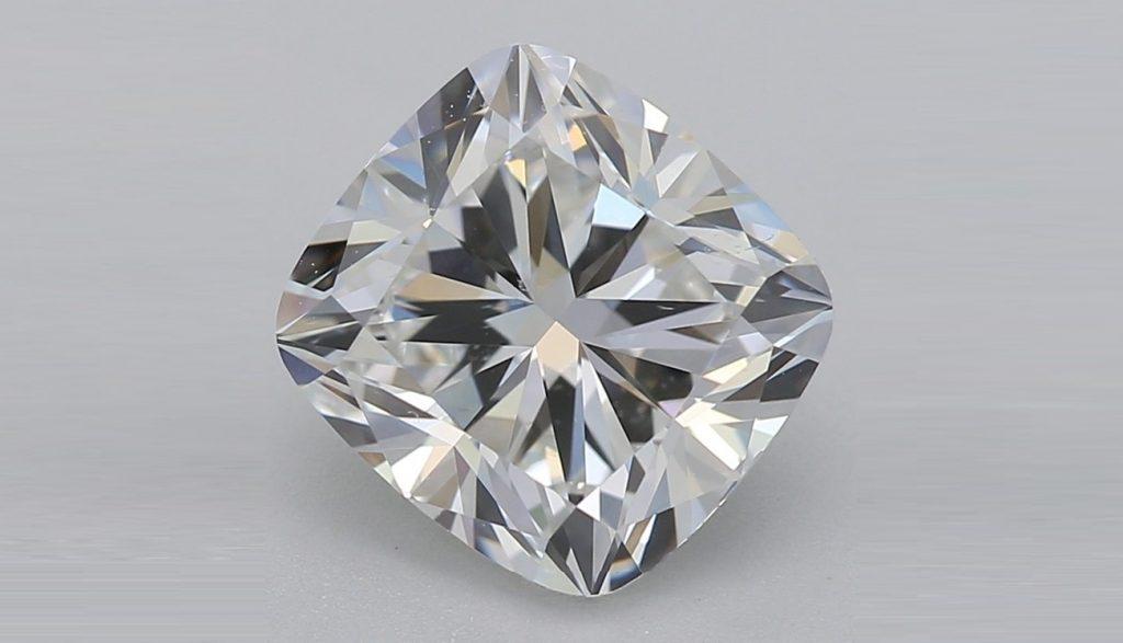CUSHION CUT DIAMOND VS2