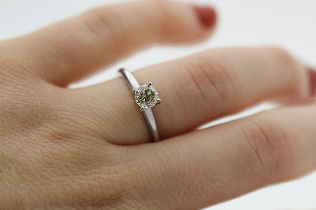 SI1 CLARITY round solitiare diamond engagement ring 4 prong - SI1 Diamond Clarity