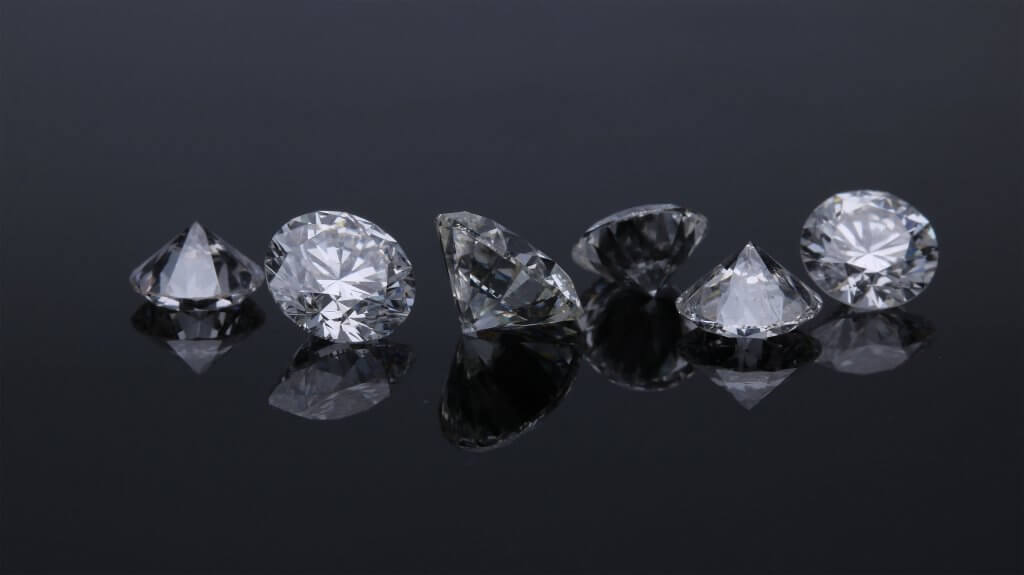 round diamonds with culet showing - Understanding the Diamond Culet