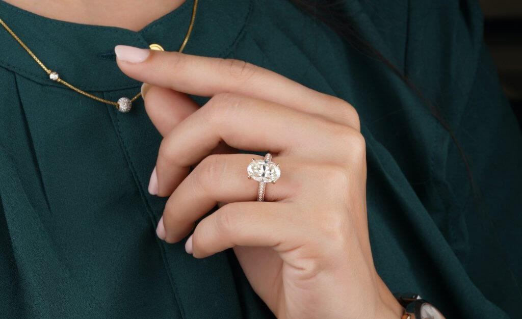 3-carat-oval-diamond-ring-Diamond-Carat-Size-1